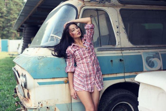 1342425188_auto_girls_24.jpg