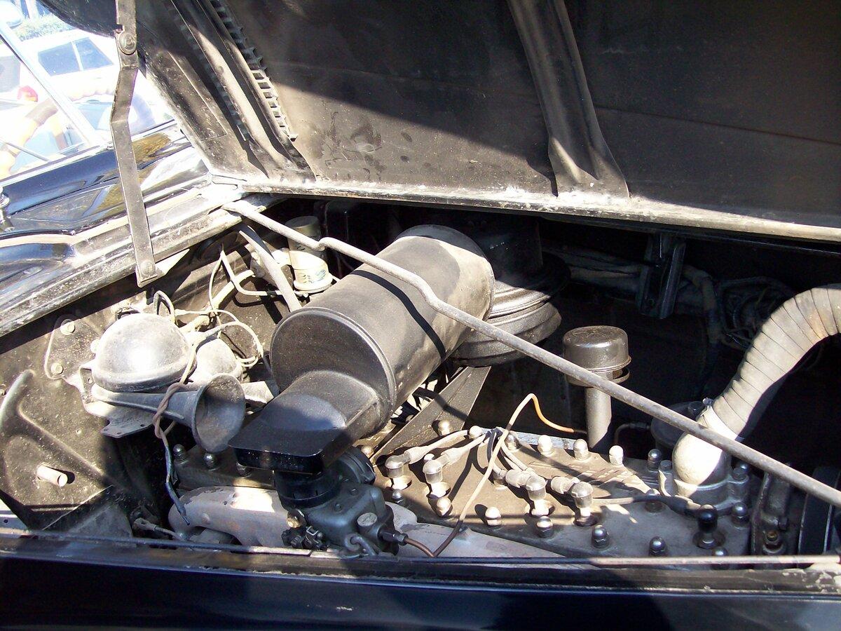 Двигатель_ЗиС-110.JPG