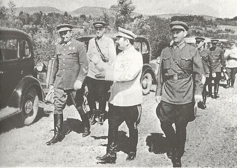 Efremov_-_military_exercise,_1940.jpg